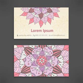 Modelo de cartão de visita e negócios conjunto com mandala floral vintage