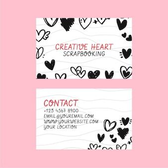 Modelo de cartão de visita horizontal com corações rabiscados