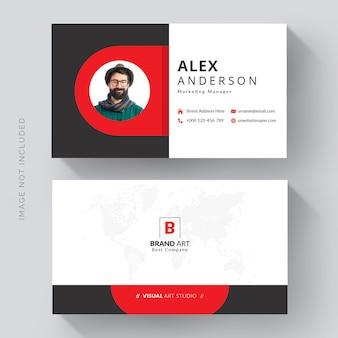 Modelo de cartão de visita moderno e criativo com detalhes em vermelho