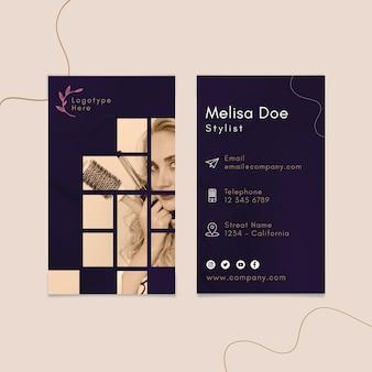 Modelo de cartão de visita vertical frente e verso para salão de beleza