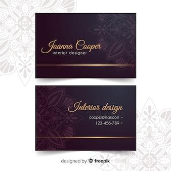 Modelo de cartão dourado ornamental