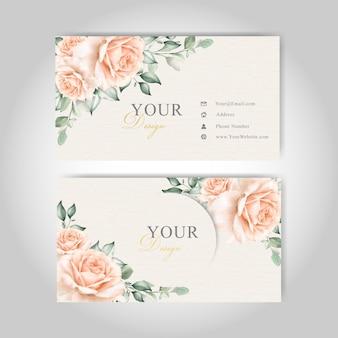 Modelo de cartão floral bonito com flor elegante e folhas