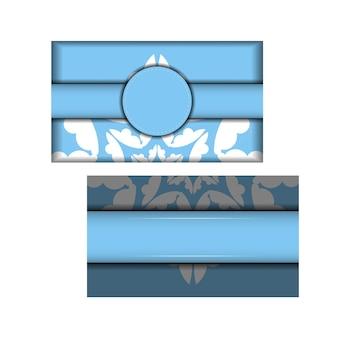 Modelo de cartão postal de cor azul com enfeites brancos vintage para sua marca.
