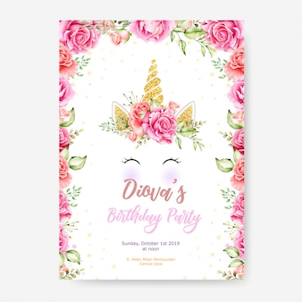 Modelo de cartaz de feliz aniversário com quadro de unicórnio bonito gráfico e flor