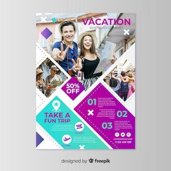 Modelo de cartaz de férias com foto