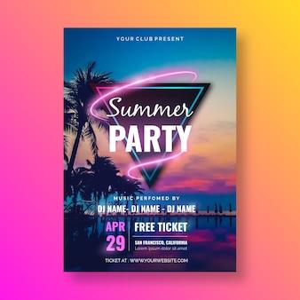 Modelo de cartaz de festa de verão com imagem