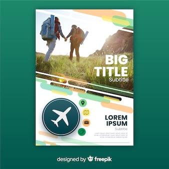 Modelo de cartaz de viagens com viajantes