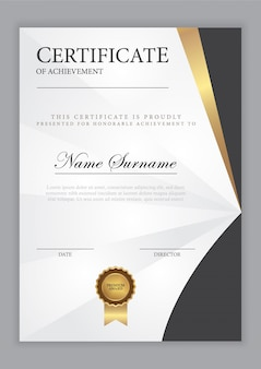 Modelo de certificado com elemento ouro e design moderno, diploma