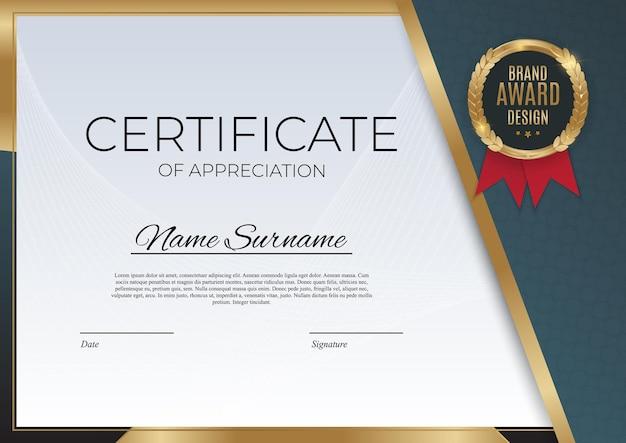Modelo de certificado de conquista azul e dourado com emblema dourado