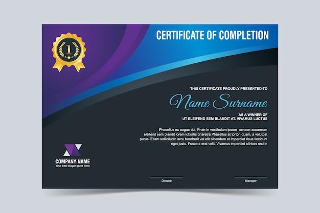 Modelo de certificado elegante com design elegante em azul e roxo