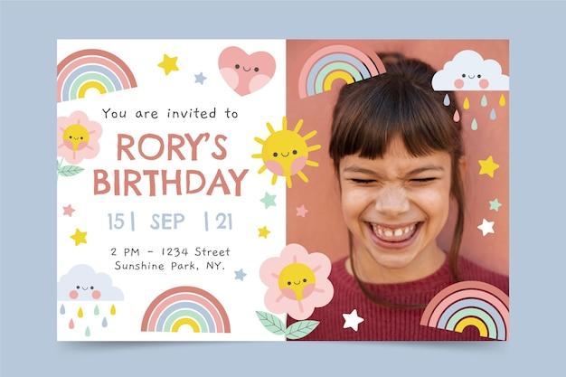 Modelo de convite de aniversário arco-íris com foto