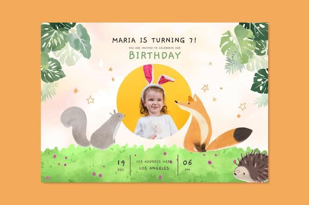 Modelo de convite de aniversário de animais em aquarela pintados à mão com foto