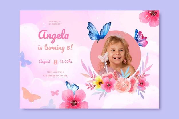 Modelo de convite de aniversário de borboleta em aquarela pintado à mão com foto