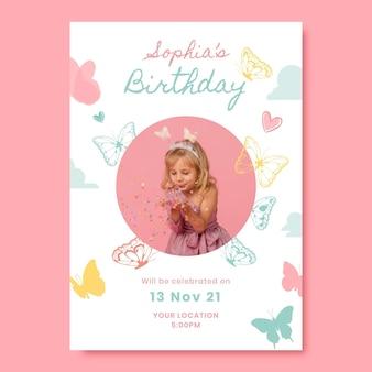 Modelo de convite de aniversário de borboleta plana com foto