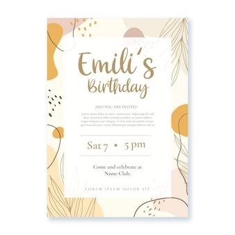 Modelo de convite de aniversário de formas planas e abstratas desenhadas à mão