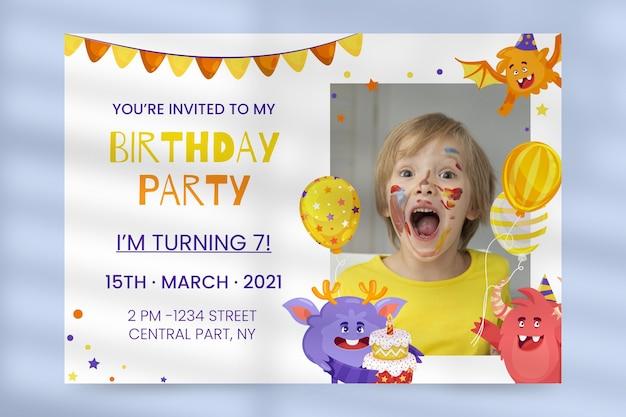 Modelo de convite de aniversário de monstro de desenho animado com foto