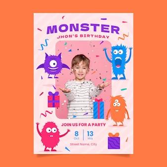 Modelo de convite de aniversário de monstro plano com foto