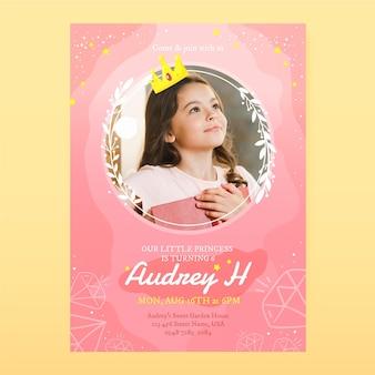 Modelo de convite de aniversário de princesa desenhado à mão com foto