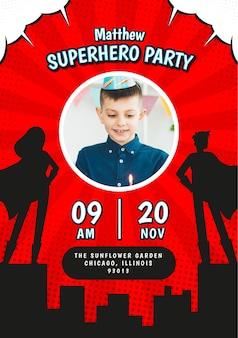 Modelo de convite de aniversário plana de super-herói com foto