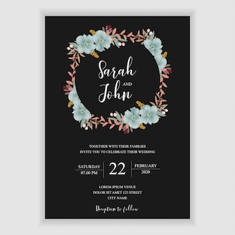 Modelo de convite de casamento floral com decoração de flor azul