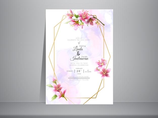 Modelo de convite de casamento lindo pintado à mão com flor de cerejeira