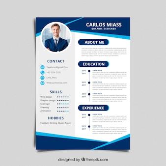Modelo de currículo com design plano