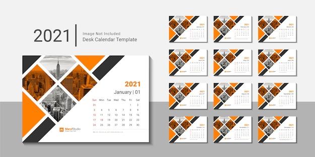 Modelo de design criativo de calendário de mesa 2021