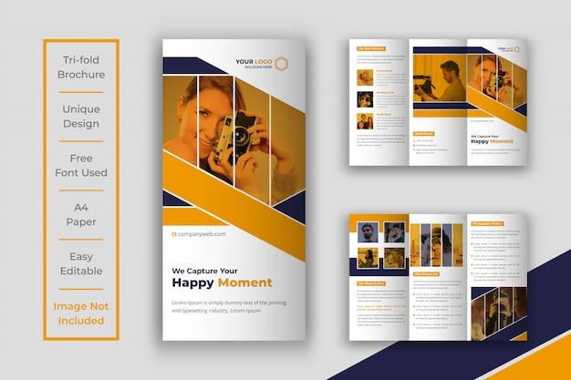 Modelo de design de brochura dobrável em três partes da fotografia