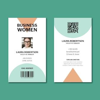 Modelo de design de cartão de identificação de empresária