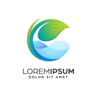 Modelo de design de logotipo de folha e água da natureza