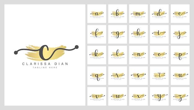 Modelo de design de logotipo de letras florais femininas