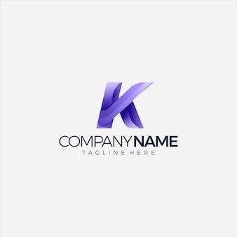 Modelo de design multicolor gradiente inicial do logotipo moderno letra k