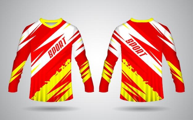 Modelo de design realista de jérsei esportivo de manga comprida na frente e nas costas nas cores vermelha, amarela e branca