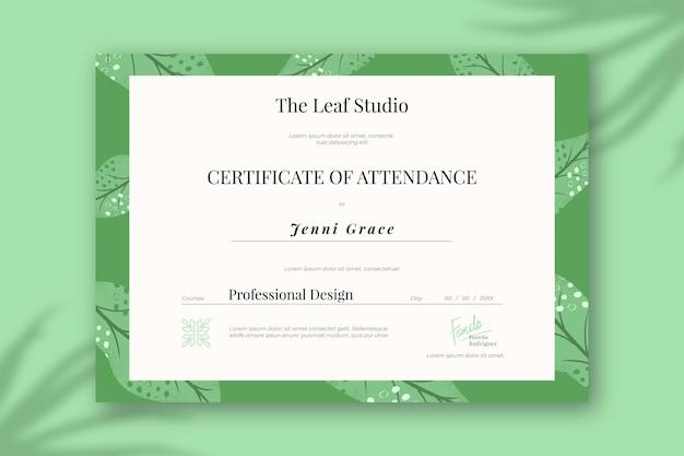 Modelo de diploma com elementos verdes