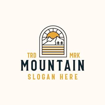 Modelo de emblema de mountain lineart