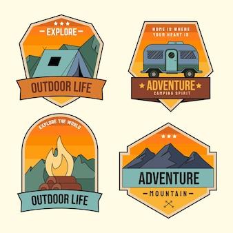 Modelo de emblemas de aventura desenhado à mão