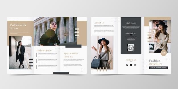 Modelo de folheto com três dobras de moda minimalista