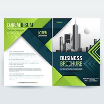 Modelo de folheto comercial com formas geométricas verdes