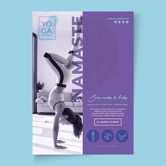 Modelo de folheto de aulas de ioga