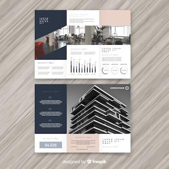 Modelo de folheto de negócios com três dobras