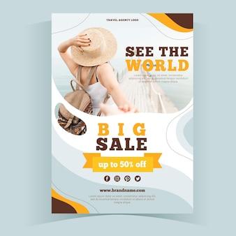Modelo de folheto de venda de viagens abstrato