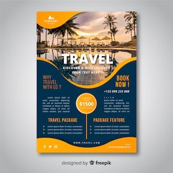 Modelo de folheto de viagem com foto