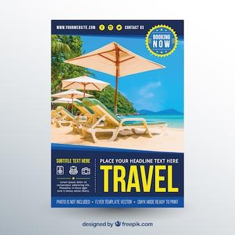 Modelo de folheto de viagens com fotografia