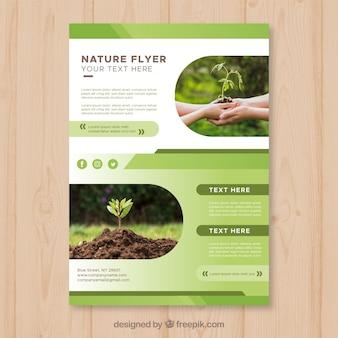 Modelo de folheto elegante natureza com foto