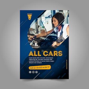 Modelo de folheto - mulher consertando um carro
