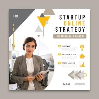 Modelo de folheto quadrado para negócios em geral