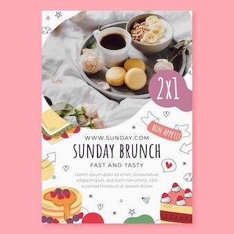 Modelo de folheto vertical para brunch de domingo