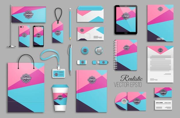 Modelo de identidade corporativa definido com fundo de formas de triângulo geométrico abstrato. artigos de papelaria comerciais com logotipo. design criativo de marca na moda