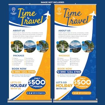 Modelo de impressão de banner enrolado para promoção de agência de viagens em estilo design plano