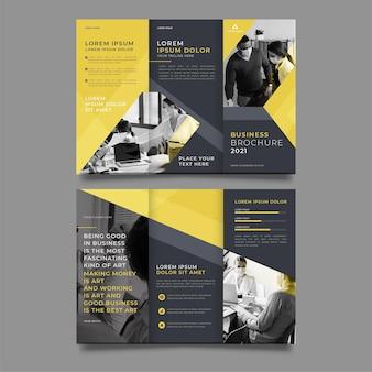 Modelo de impressão de brochura com três dobras em preto e amarelo